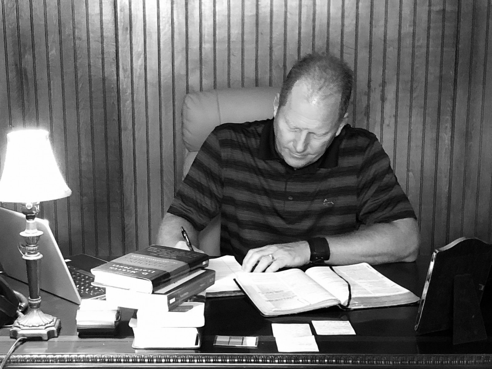 Pastor Kelly study